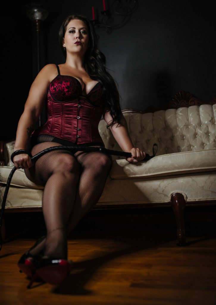 worship Dominatrix goddess macha canada ontario dominatrix